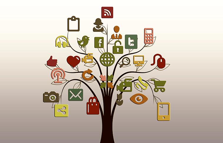 5 Ways Social Media Can Enhance Your Nursing Career